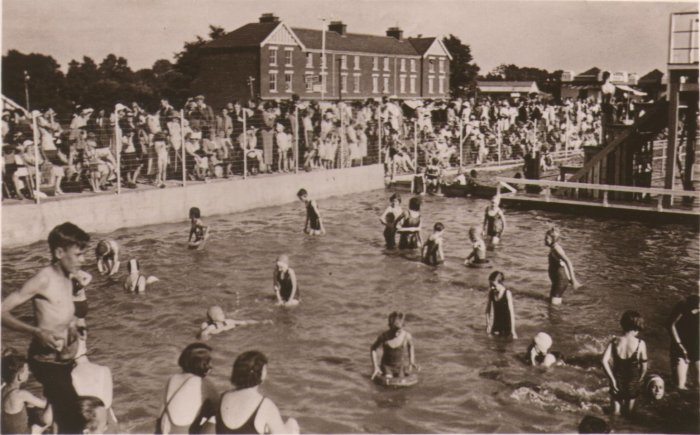 1936 view of Blue Lagoon Swimming Pool - Click on picture for 2004 view of similar location